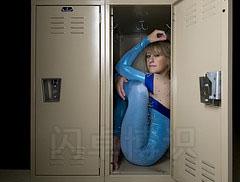 储物柜里的柔术演员Shelly Guy