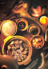 经过布光后的茶壶和米饭、菜等食物