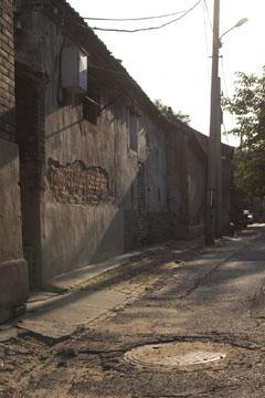 Carl McLarty为爽子的封面拍摄的巷子