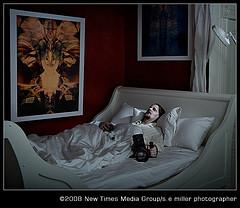 Steve E. Miller拍摄的死亡艺术家布光照