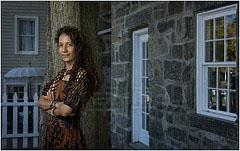 添加同轴辅助光拍摄的诗人Linda Joy Burke肖像照