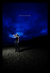 摄影师Dustin Diaz一天一拍的作品仰天的女人