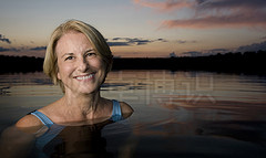 大卫·豪比为他的母亲在水中布光拍摄的漂亮照片