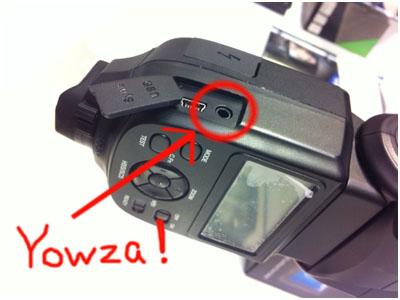 Phottix公司刚刚公布的Mitros闪光灯3.5mm的同步接口特写照