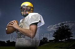 大卫·豪比拍摄的橄榄球队员肖像照
