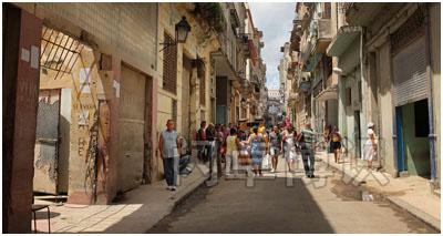 大卫·豪比拍摄的白天的古巴街上风景