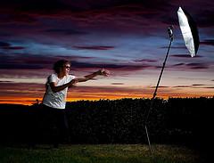ole.e拍摄的被风吹倒灯架时的照片