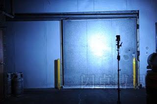 大卫·豪比最终的整面背景墙布光照片