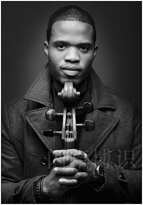 大提琴家Caleb的肖像图