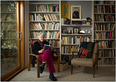 诗歌与文学学会(HoCoPoLitSo)的创办人Ellen Kennedy肖像照